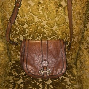 Perfectly Worn-in Brown Leather Fossil Satchel Bag